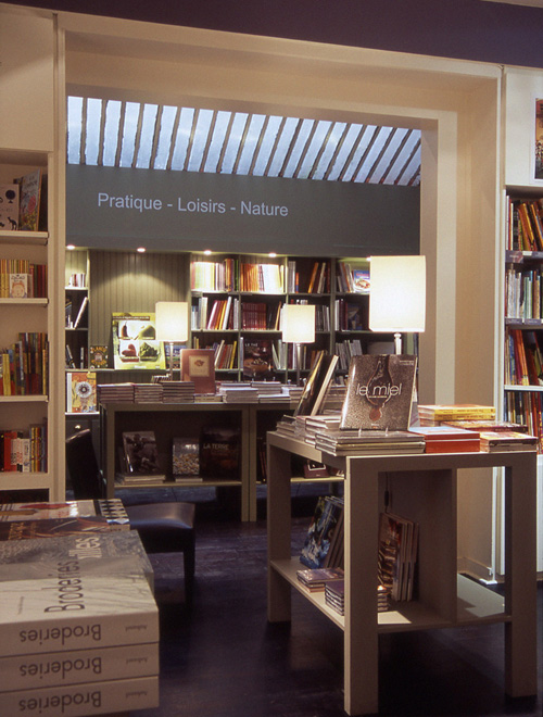 Librairie La Martinière - A realization of DWA Design Wapler Architects Agency Paris